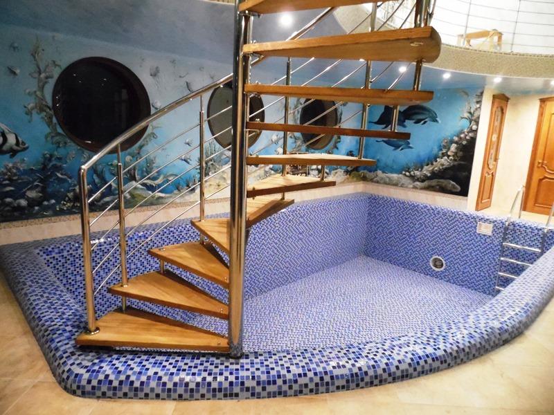 Лестница для бассейна