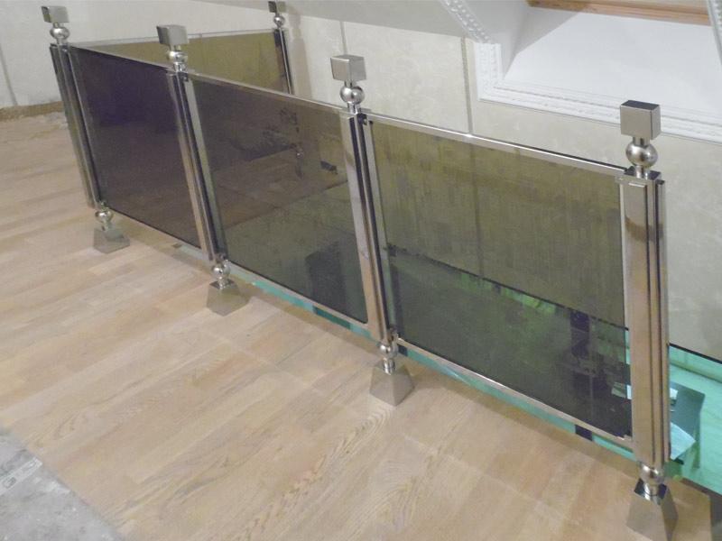 Ограждения из нержавеющей стали (нержавейка + стекло)