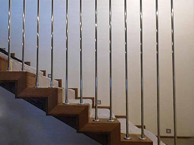 Ограждение для лестницы из нержавейки шторка-1