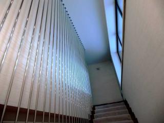 Ограждение на лестницу из нержавейки шторка-4