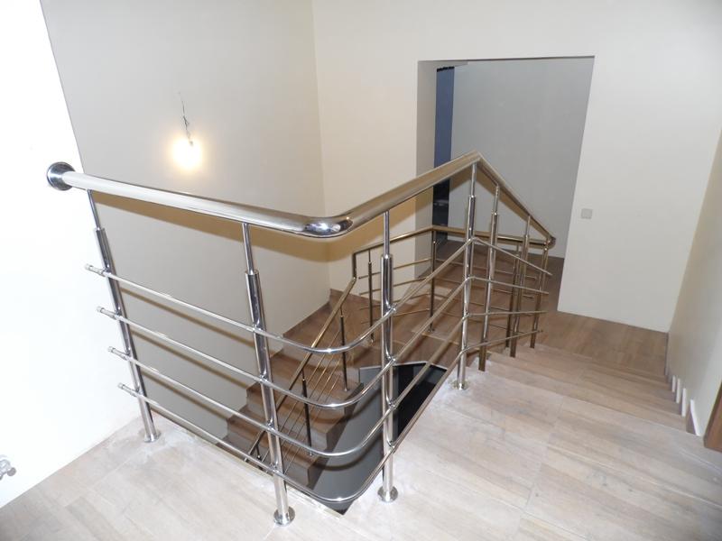 перила для лестниц из нержавейки 23