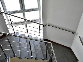 Поручень на лестницу из нержавейки-1