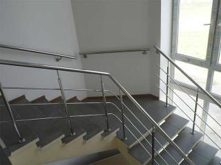 Поручень на лестницу из нержавейки-2