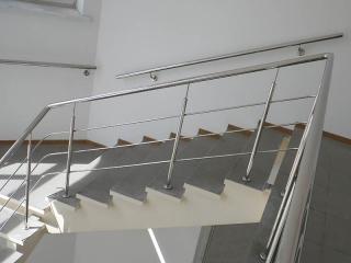 Поручень на лестницу из нержавейки-5