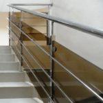 Ограждение для лестницы-балкона-террасы из нержавейки со стеклянным наполнением цена за метр в Украине